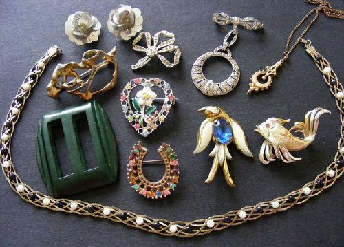Job Lot of Vintage Jewellery 4