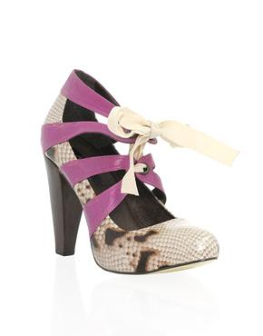 Snake shoe