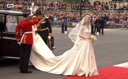 Kate middleton catherine wedding dress 4