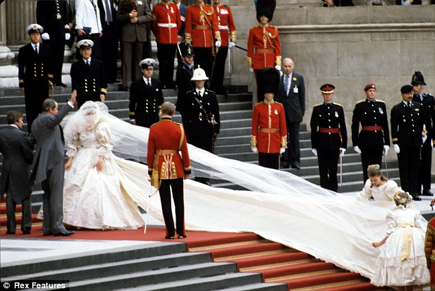 Princess diana dress train