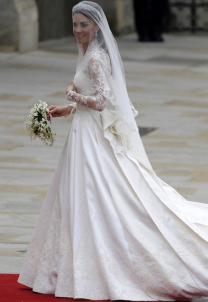 Kate middleton catherine wedding dress 2