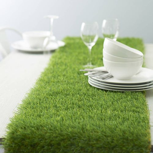 Original_artificial-grass-table-runner