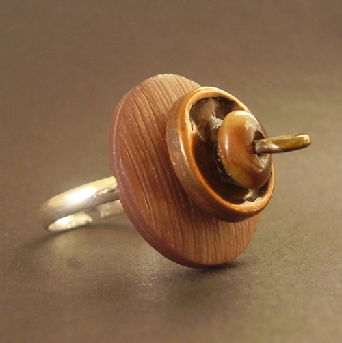 Toastie_brown_ring_a